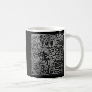 Het kielzog omhoog en ruikt de Koffie Koffiemok