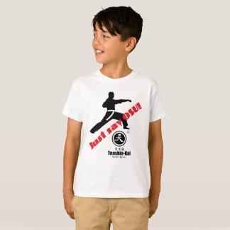 """Het kind """"zegt enkel de T-shirt van de Karate van"""