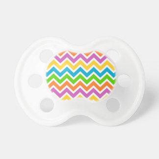 Het kleurrijke patroon van de Zigzag Baby Speentjes