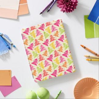Het kleurrijke Schetsmatige Patroon van Kerstbomen iPad Cover