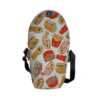Het kleurrijke Snelle Voedsel van de Illustratie Messenger Bag