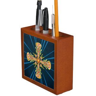 Het kruis van juwelen pennenhouder