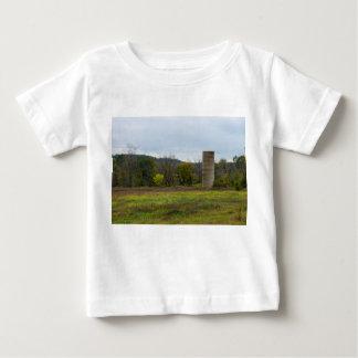 Het Landschap van de Silo van het land Baby T Shirts