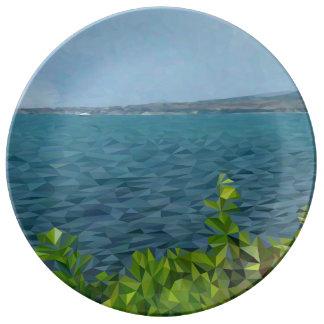 Het landschap van het zee in veelhoektechniek porseleinen bord