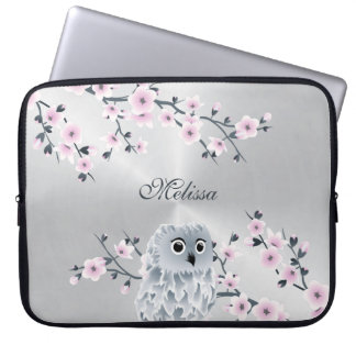 Het leuke Roze Zilveren Monogram van de Uil Laptop Sleeve