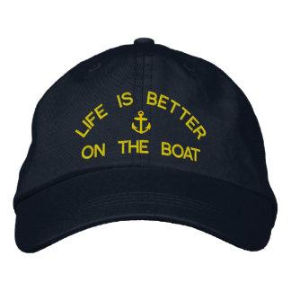 Het leven is beter op de boot varende kapiteins geborduurde pet