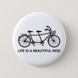 Het leven is een mooie rit, fiets achter elkaar ronde button 5,7 cm