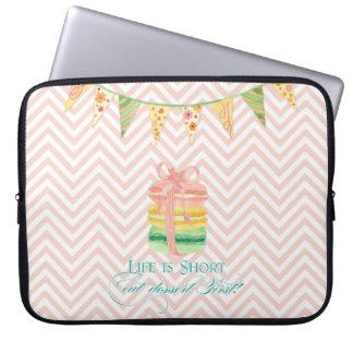 Het Leven van Macarons is Kort eet de Eerste Chevr Laptop Sleeve