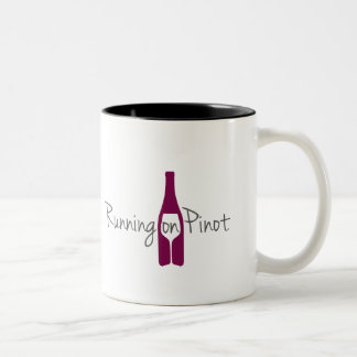 Het lopen op de Mok van de Koffie van Pinot