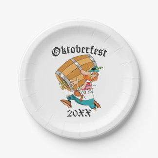 Het Man van Oktoberfest met Vaatje Papieren Bordje
