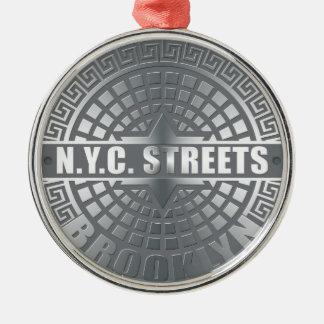 Het mangat behandelt Brooklyn Zilverkleurig Rond Ornament