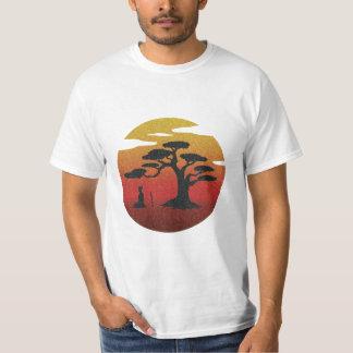 Het mediteren van Samoeraien bij de Zonsondergang T Shirts