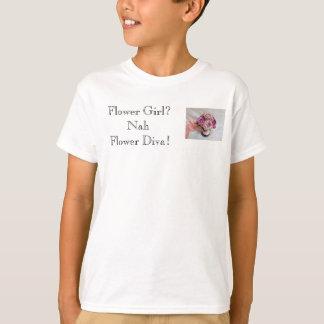 Het Meisje van de bloem. Nah… Diva van de bloem! T Shirt