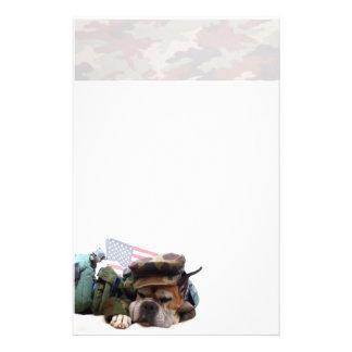 Het militaire briefpapier van de bokserhond