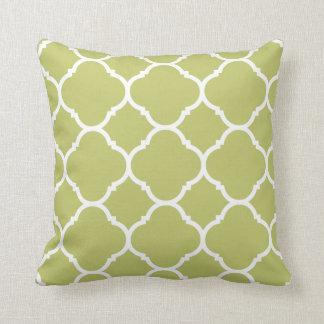 Het moderne Patroon van Chartreuse Quatrefoil Sierkussen