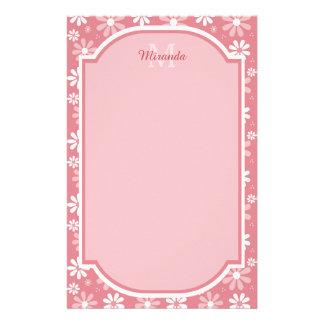 Het Monogram Leuke Roze Daisy Flowers van Girly Briefpapier