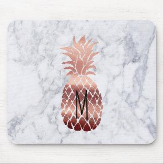 het monogram nam gouden ananas op marmer toe muismat