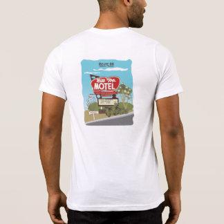 Het Motel van de heuveltop op Route 66 T Shirts