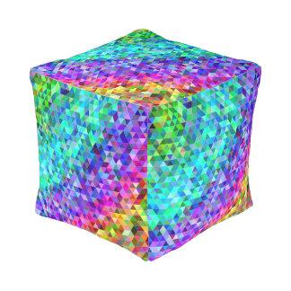Het mozaïekregenboog van de driehoek vierkante poef