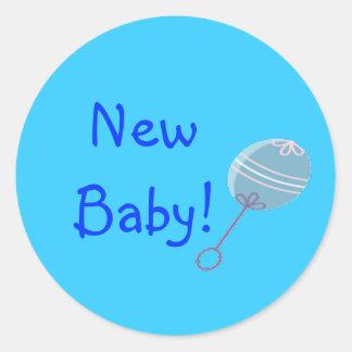 Het Nieuwe Baby van de blauwe Rammelaar Ronde Sticker