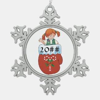 Het ondergeschikte Rode Haar van de Tin Sneeuwvlok Ornament