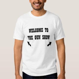 het onthaal aan het pistool toont t-shirt