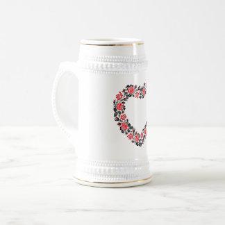 Het originele Hart van dwars-steekrood nam bloemen Bierpul