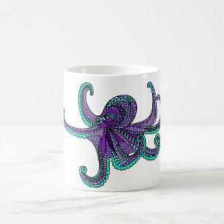 Het paarse blauwgroen oceaan het zeeleven van de koffiemok