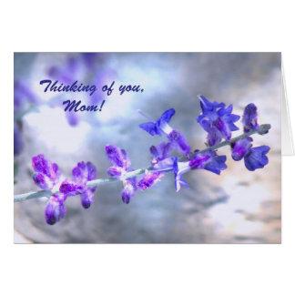 Het paarse Moederdag van Bloemen Kaart