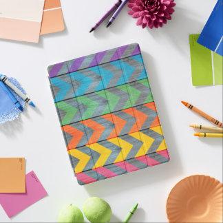 Het Patroon van de chevron op Houten Textuur iPad Cover