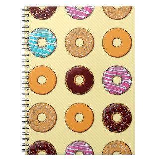 Het Patroon van de doughnut op Geel Ringband Notitieboek