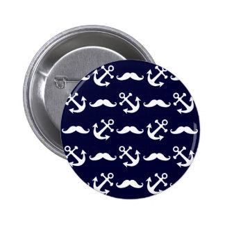 Het patroon van de snor en van het anker ronde button 5,7 cm