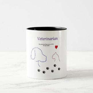 Het print van de veterinair-poot op mijn hart tweekleurige koffiemok