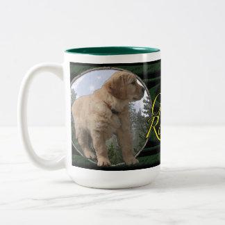 Het puppy van het golden retriever tweekleurige koffiemok