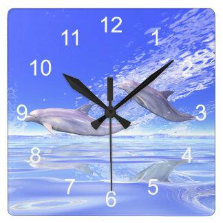 Het Rennen van dolfijnen Vierkante Klok