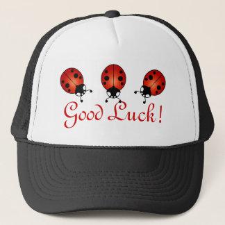 Het Rode Oranje Zwarte Goede Geluk van drie Trucker Pet