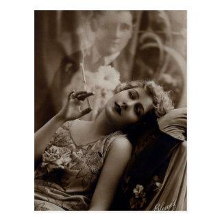 het Rokende Briefkaart van de Vrouw van het jaren