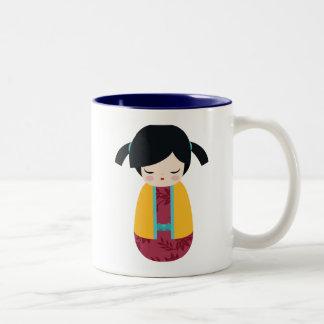 Het ROZE GELE Meisje van de Geisha van Doll Tweekleurige Koffiemok