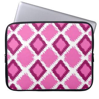 Het roze Patroon van Ikat van de Diamant Laptop Sleeve