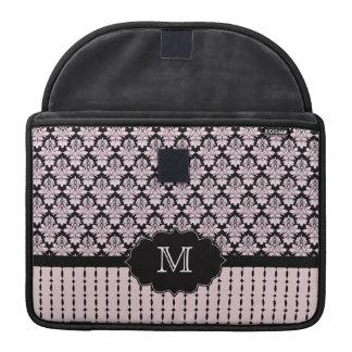 Het roze zwarte prosleeve van het damastmonogram beschermhoezen voor MacBook pro