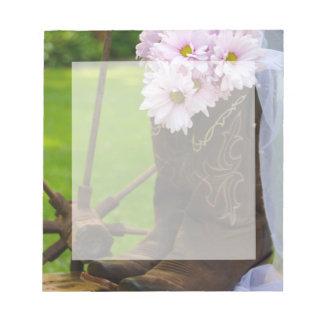 Het rustieke Roze Huwelijk van Madeliefjes en van Notitieblok