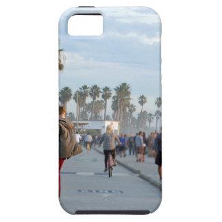 het schaatsen aan Venetië strand Tough iPhone 5 Hoesje