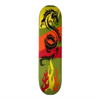 Het Skateboard van het SERPENT van de DRAAK