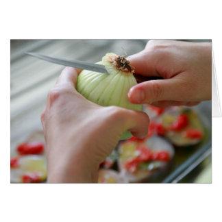 Het snijden van een ui wenskaart
