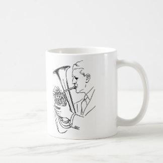 Het Spelen van het man het Muzikale Instrument van Koffiemok