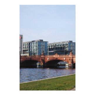 Het Station van Berlijn in het Park Gepersonaliseerde Folder
