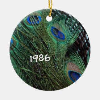 Het Stilleven van de pauw in Mand Rond Keramisch Ornament