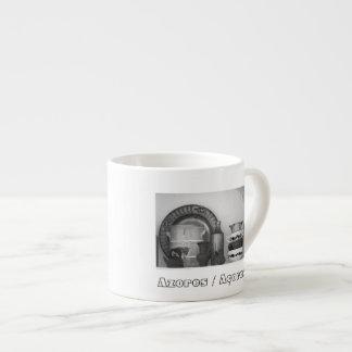 Het stilleven van het aardewerk espresso kopjes