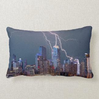 Het Storm van de Bliksem van New York Lumbar Kussen