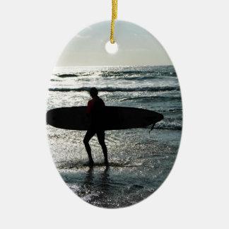 Het Surfen van de zonsondergang Keramisch Ovaal Ornament